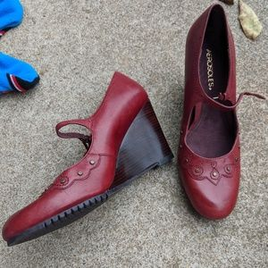Women's Aerosoles Red Leather Mary Jane's Size 9M